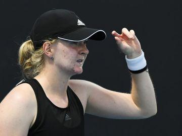"""Francesca Jones, la tenista con 4 dedos en cada mano, debuta en Australia: """"Me dijeron que no podría jugar"""""""