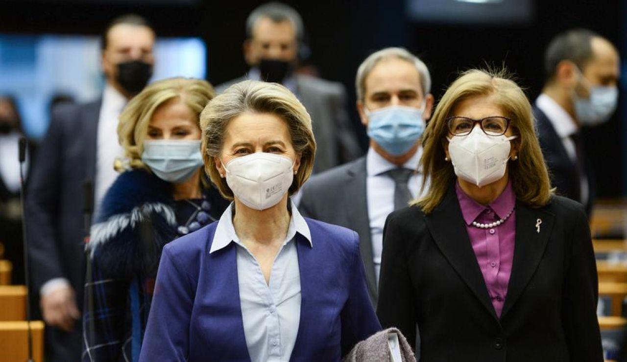"""Von der Leyen admite que la Comisión Europea ha sido """"demasiado optimista"""" con la entrega de las vacunas del coronavirus"""