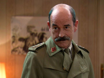 Beltrán entra amenazante en el despacho de abogados