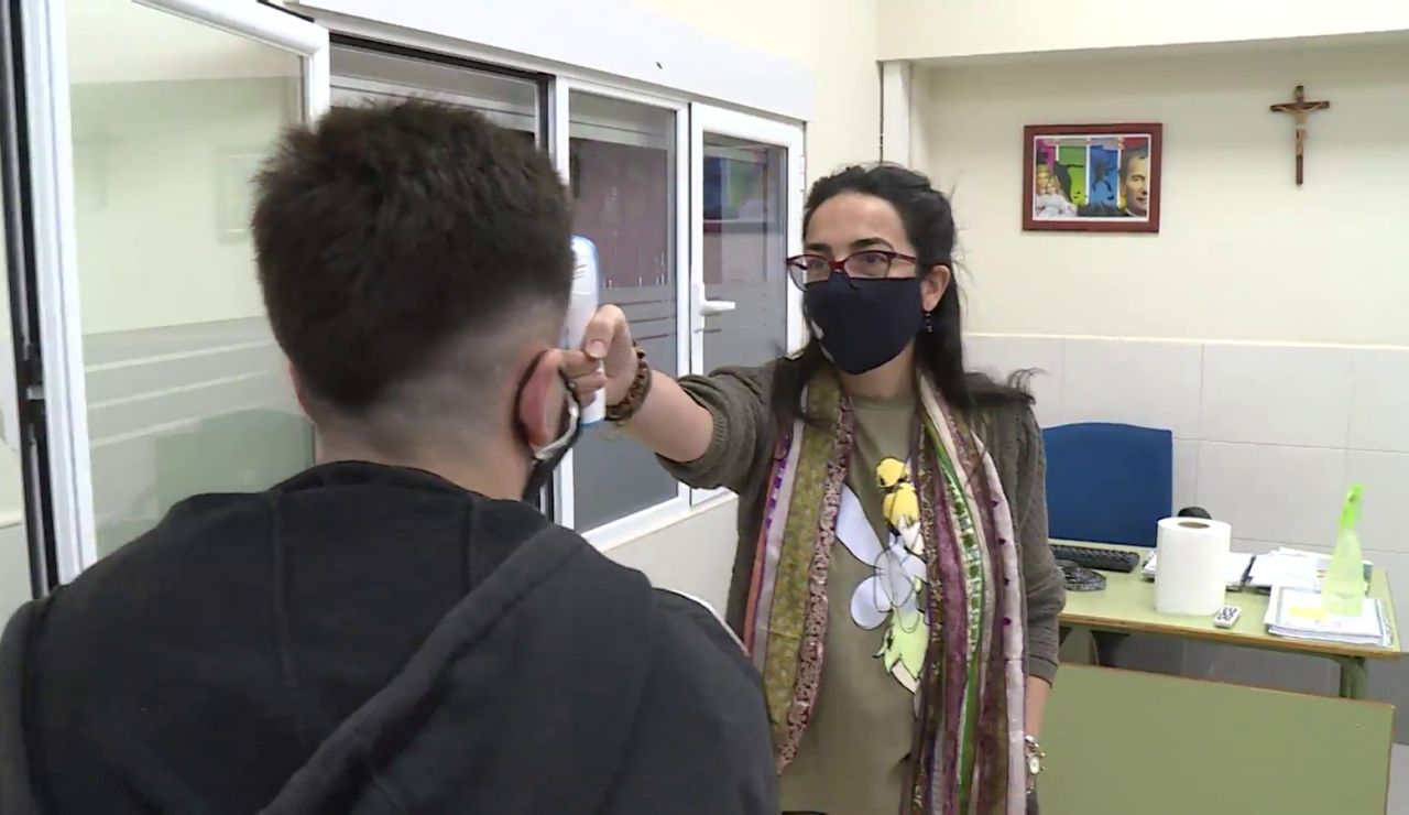 Sanidad recomienda la ventilación cruzada en las aulas escolares para evitar el coronavirus