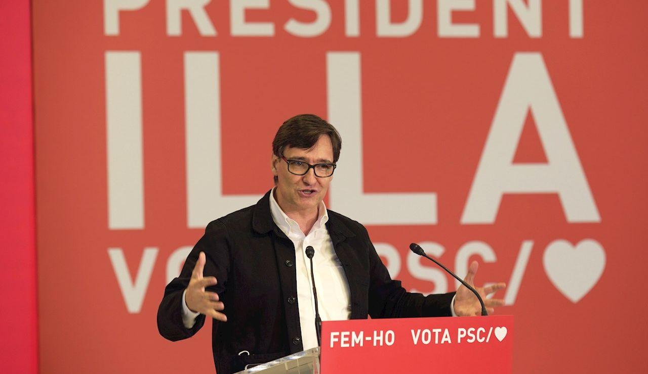 El candidato del PSC a las elecciones catalanas, Salvador Illa, en un acto de campaña