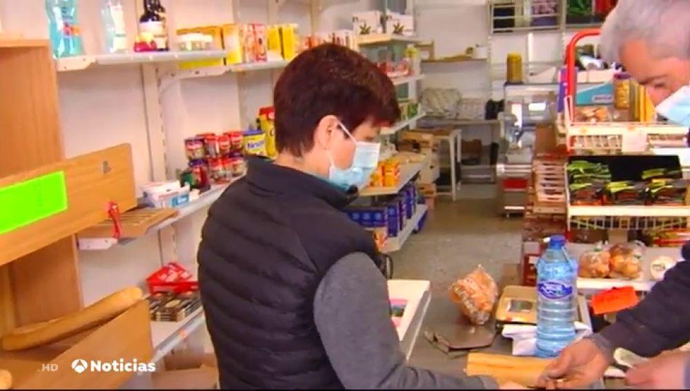 Castrillo de la Reina busca dueño para su único supermercado: recibe 60 solicitudes tras publicar la oferta