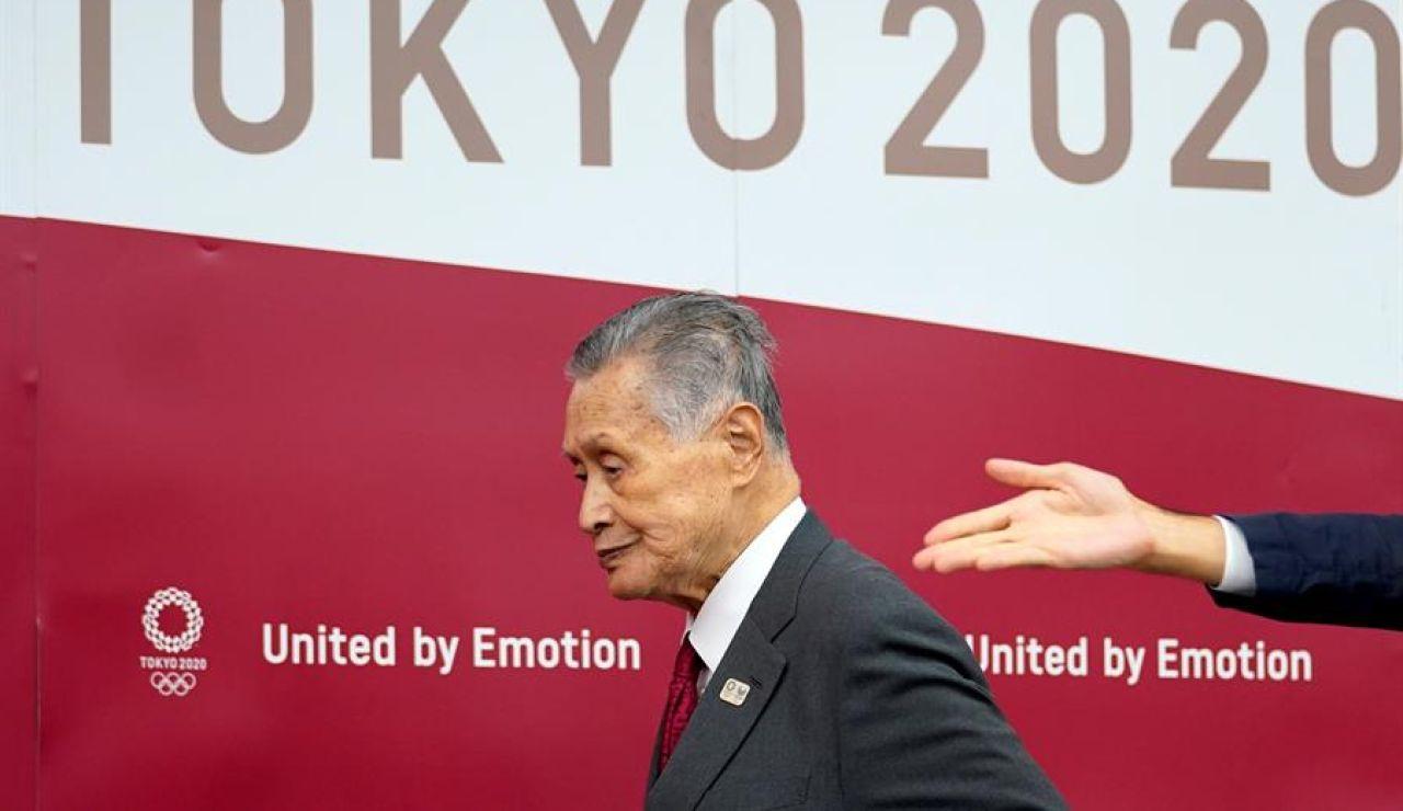 Dimite Yoshiro Mori, presidente del comité organizador de los Juegos de Tokio 2020, por su comentarios machistas