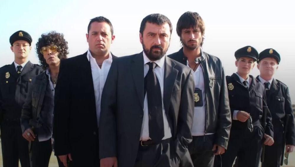 """La emotiva visita sorpresa al rodaje de 'Los hombres de Paco': """"Ha venido Dios a vernos"""""""