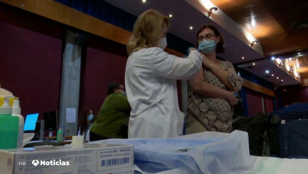 Conoce cuáles son los colectivos de trabajadores que piden ser los próximos vacunados contra el coronavirus