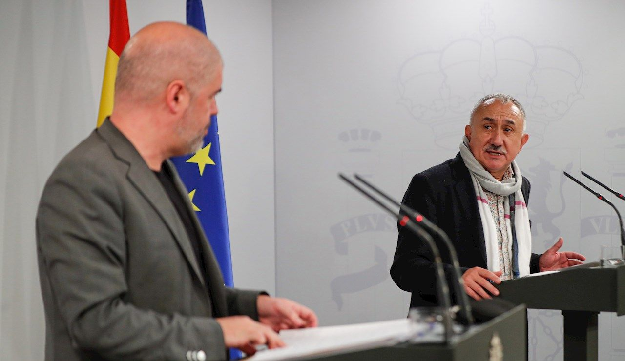 El secretario general de UGT, José María Álvarez, y el secretario general de CCOO, Unai Sordo