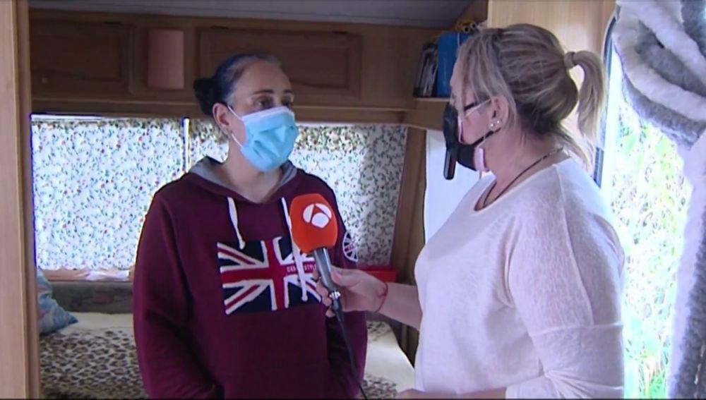 Una familia vive en una caravana por la crisis del coronavirus