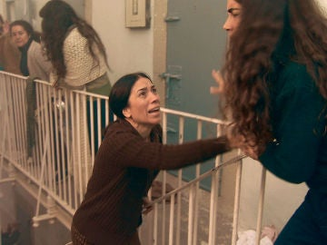 Manolita, aterrada trata de parar el motín en Yeserías