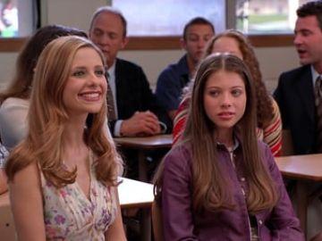 Sarah Michelle Gellar y Michelle Trachtenberg en 'Buffy'