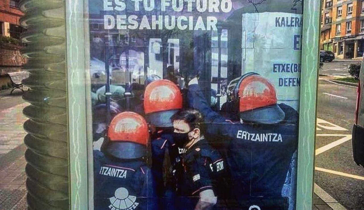 La Ertzaintza anuncia acciones legales contra Ernai por parodiar una campaña suya