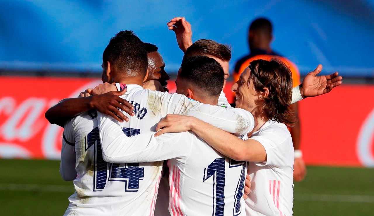 El Real Madrid celebra un gol en la victoria ante el Valencia