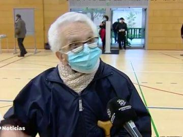 Gel, mascarillas, largas colas y votos por turnos: Así han sido las Elecciones Catalanas 2021 en pandemia de coronavirus