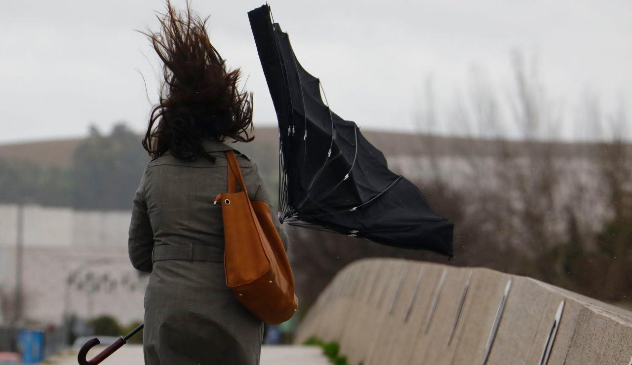 Hoy, viento fuerte en Andalucía, Galicia y extremo oriental cantábrico.