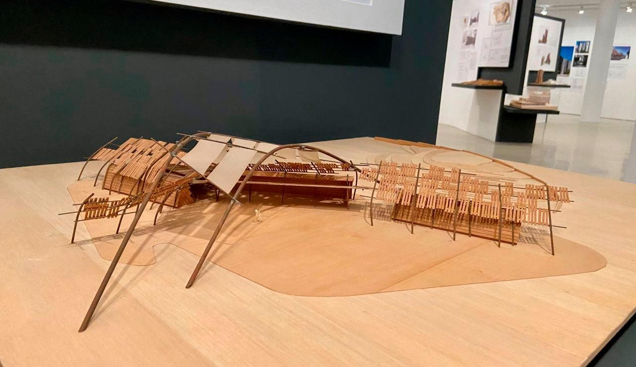 Maqueta incluida en la exposición de Carme Pinós