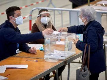 Los mercados se convierten en centros electorales por primera vez en las elecciones de Cataluña 2021