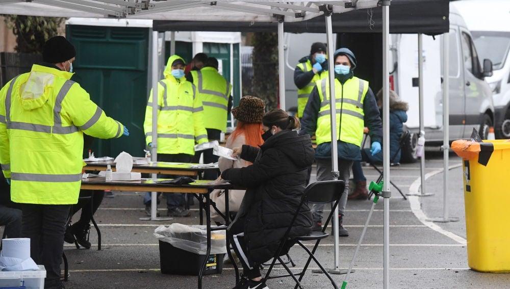 Espacio habilitado para la vacunación contra el coronavirus en Reino Unido