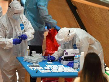 Datos del coronavirus en España: 30.251 contagios y 702 fallecidos