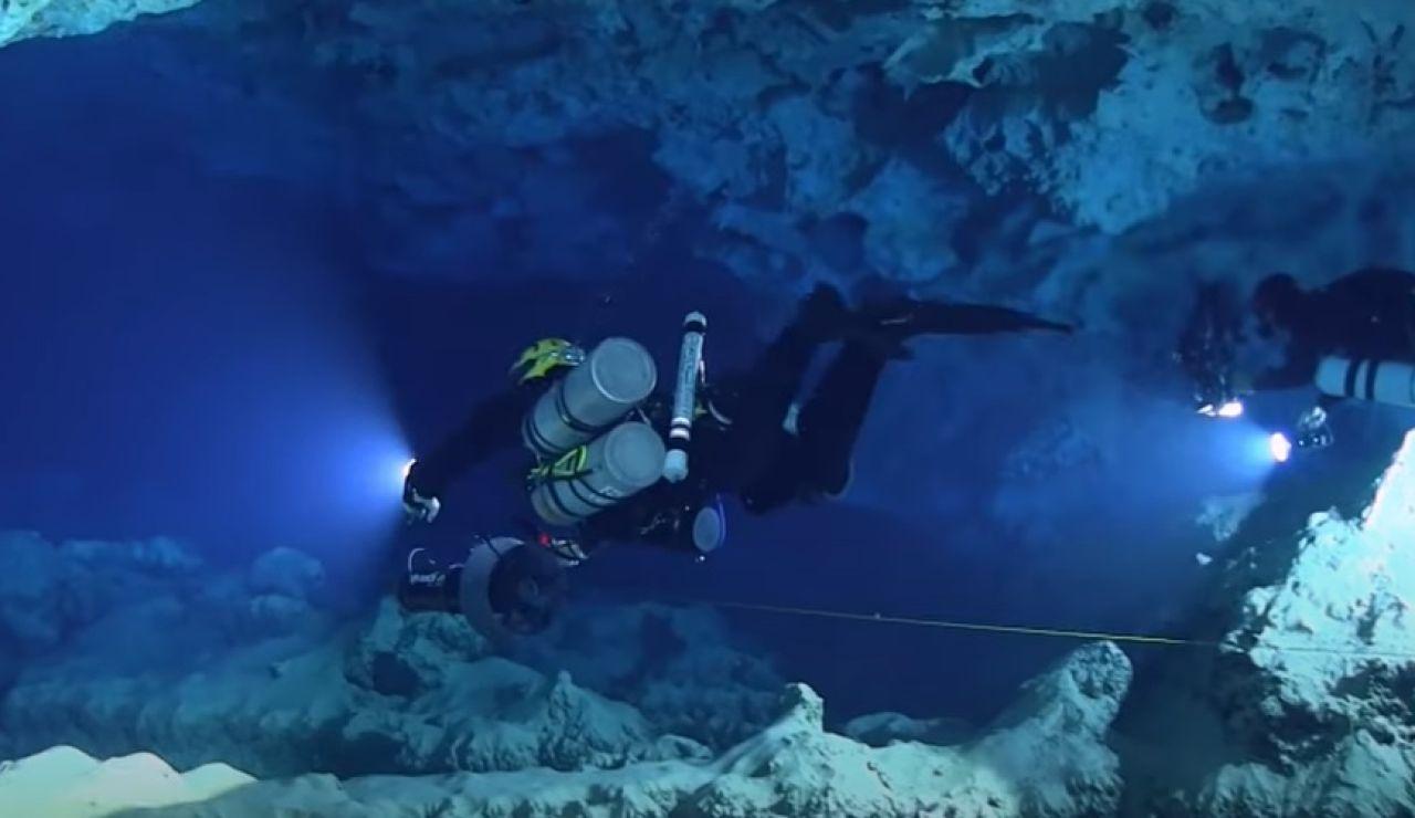 Los misterios de la cueva submarina Ses Aiguades en Mallorca donde se han encontrado 200 ánforas romanas