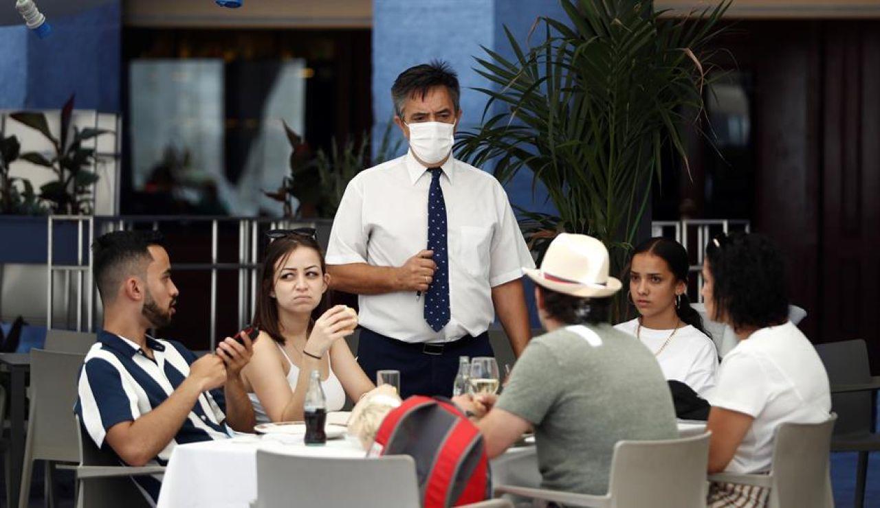 La Comunidad de Madrid amplía el toque de queda y el cierre de la hostelería hasta las 23:00 horas desde este jueves 18