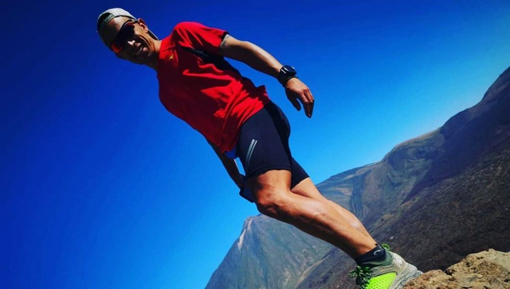 Samuel Rizo, el tinerfeño que afronta retos deportivos para concienciar sobre causas humanitarias