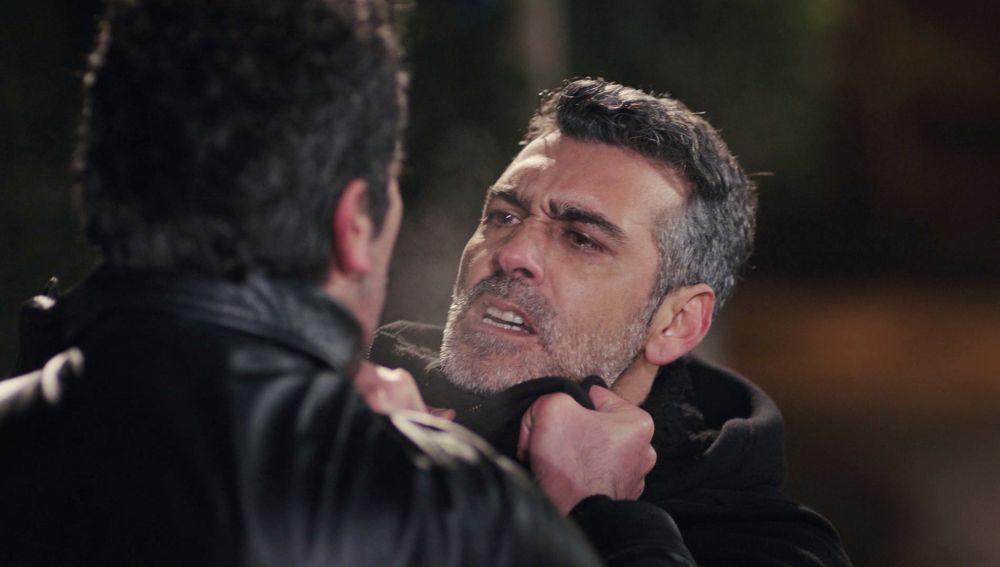 Los celos de Sarp llegan al máximo: ¡amenaza de muerte a Arif!