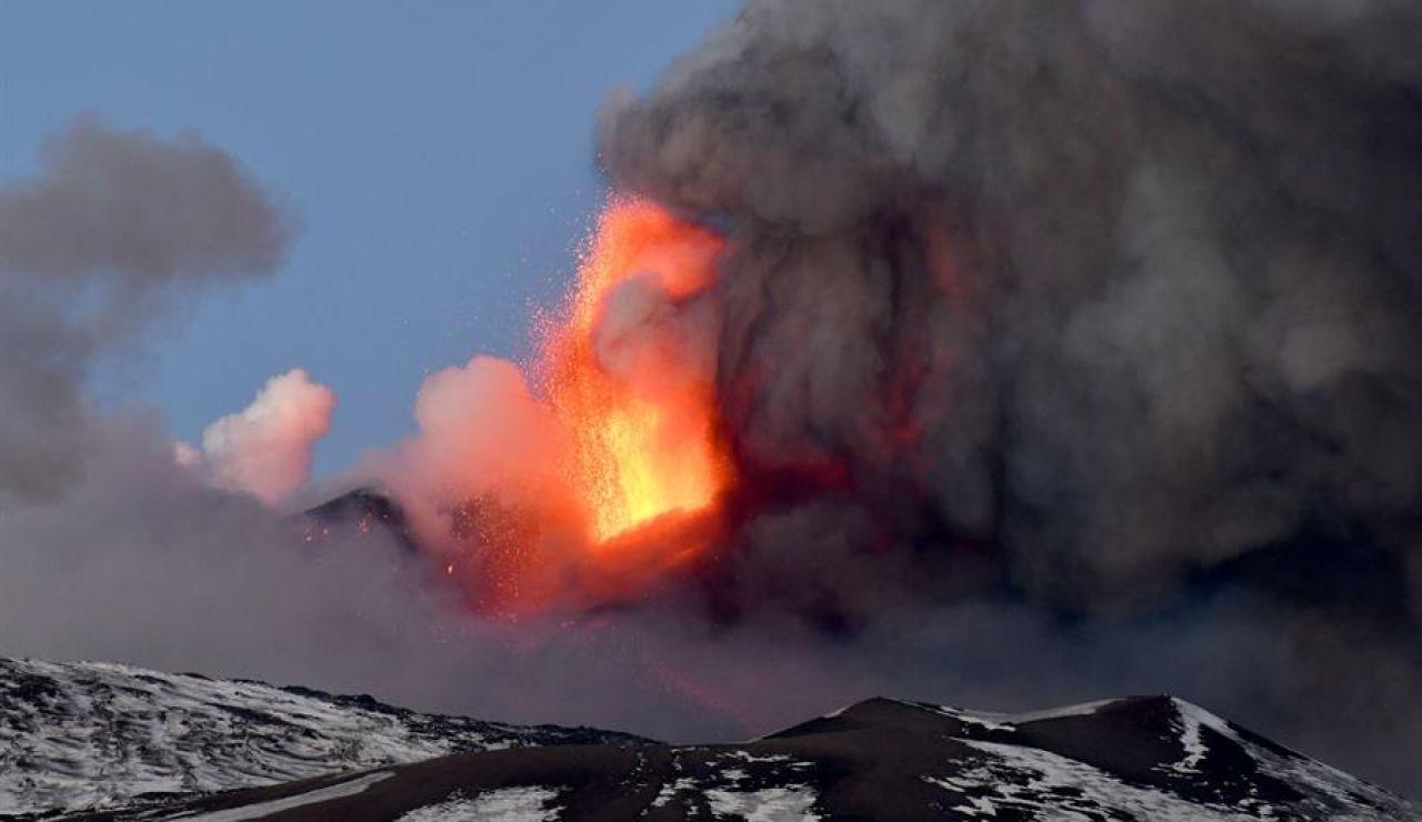 El volcán Etna entra en erupción