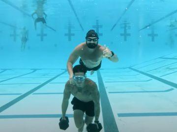 Una empresa de California adapta los entrenamientos militares a la preparación de los surfistas de olas gigantes