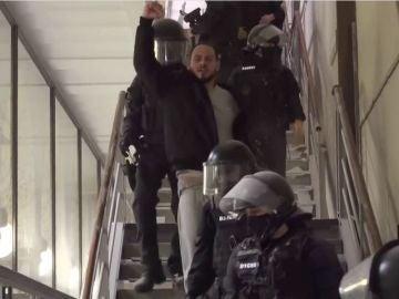 Hasél es detenido en el rectorado de la Universidad de Lleida.