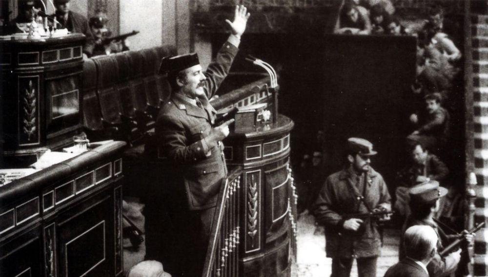 Antonio Tejero durante el intento de golpe de estado en Madrid el 23F