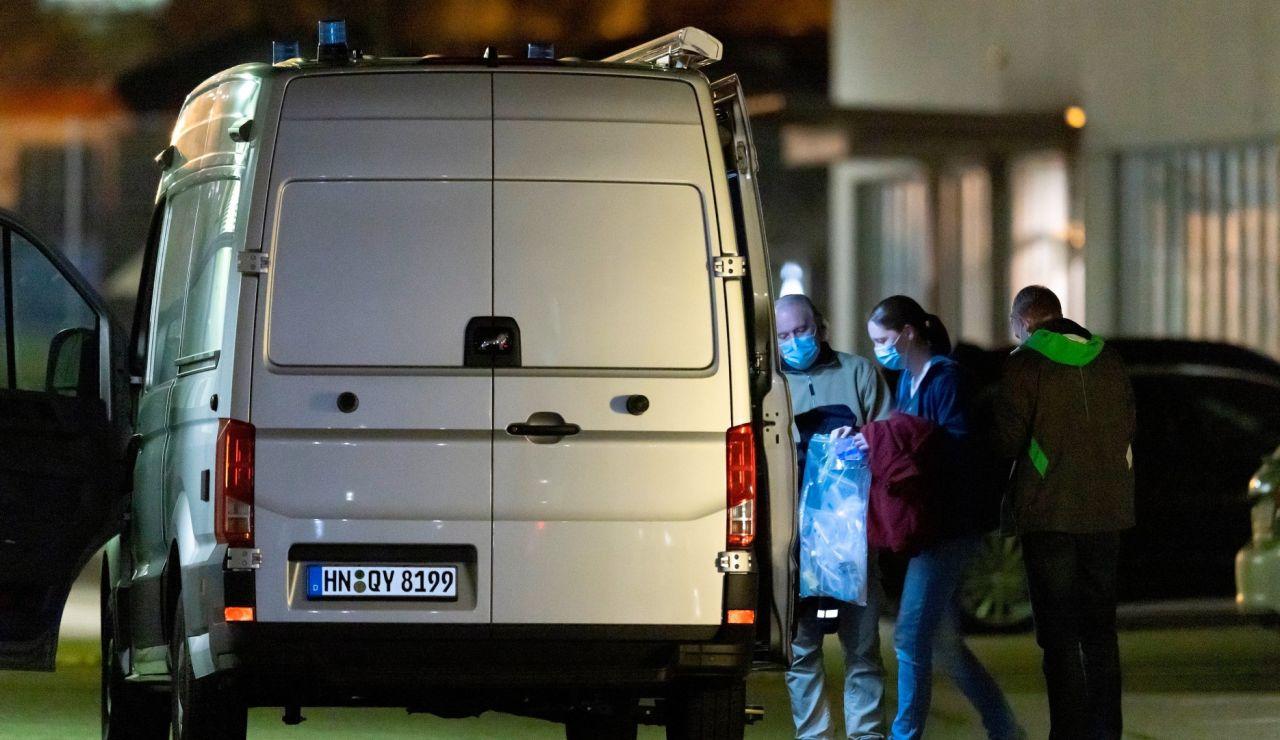 Una mujer desalojada del almacén de Lidl en Alemania.