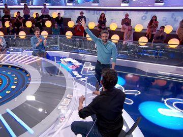 """¡Los pelos de punta! Jorge Luengo convierte en mago a Roberto Leal: """"¿Eso lo he hecho yo?"""""""