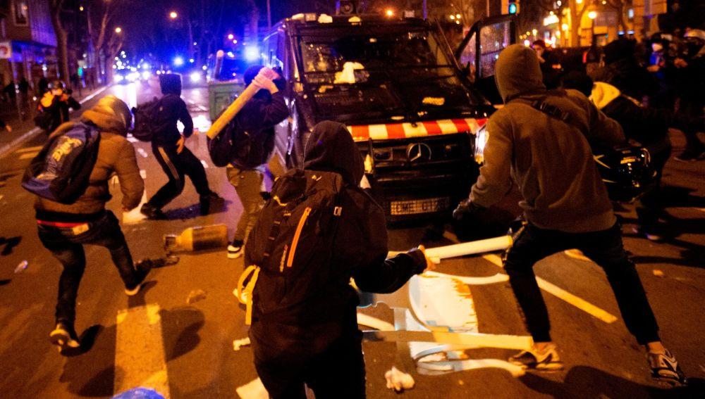 Disturbios en Tarragona contra la detención de Pablo Hasél