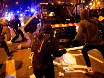 Disturbios en Tarragona contra la detención de Pablo Hasél.