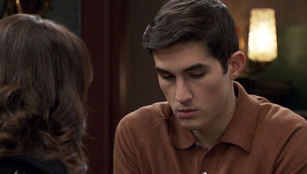 La presión sobrepasará a Carlos, ¿declarará contra su padre ante el juez?