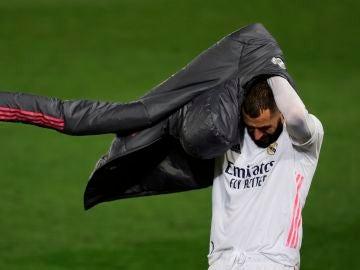 Benzema, baja ante el Valladolid y seria duda para la Champions