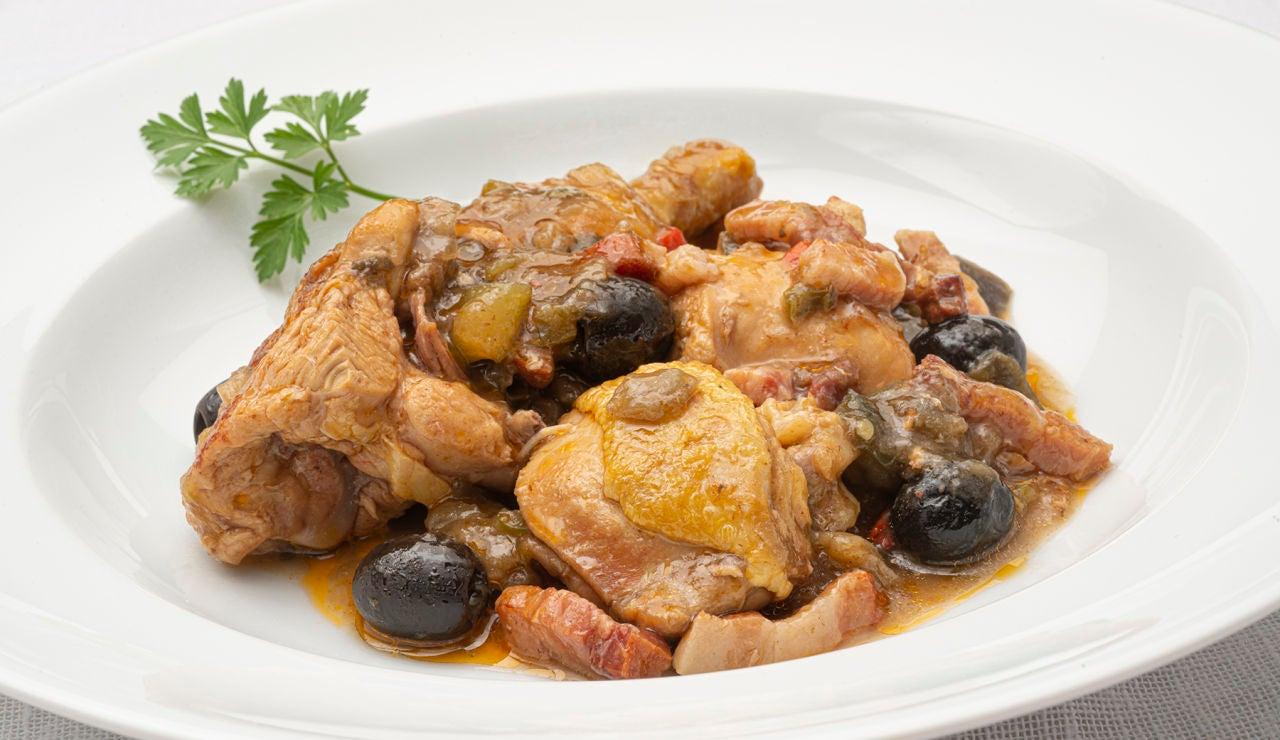 """La receta más """"completa y económica"""" de Arguiñano: pollo a la campesina"""