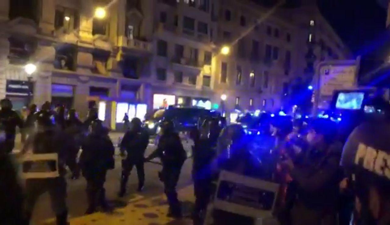 REEMPLAZO Las calles de Cataluña y otras ciudades españolas se llenan de manifestantes por el encarcelamiento de Pablo Hasél