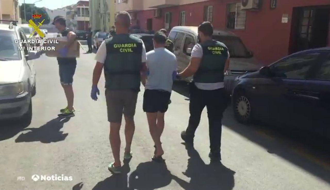 Una madre descubre a través de mensajes de WhatsApp que su hija menor de edad estaba siendo prostituida en Almería