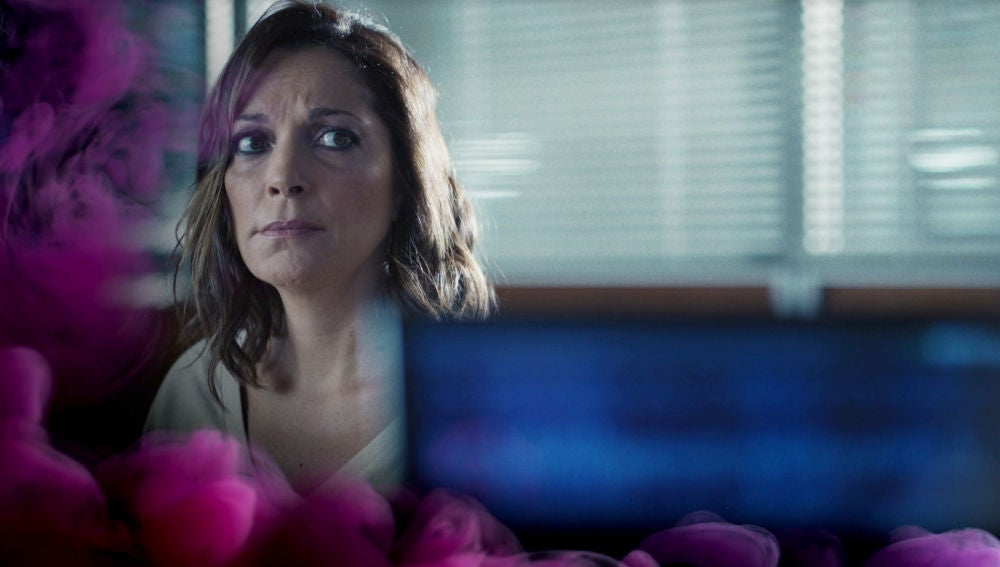 Rebeca se somete a un detector de mentiras, ¿revelará la verdad sobre su inocencia?