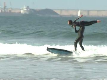 El tándem surf, una modalidad desconocida del surf y en la que Ángeles y Fernando son pioneros en España