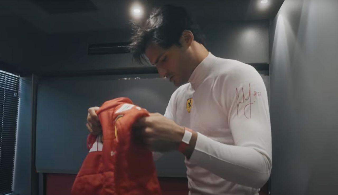 Carlos Sainz muestra en un vídeo cómo fue su estreno con el Ferrari en el circuito de Fiorano
