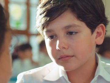 Deniz Ali Cankorur es Mertcan en 'Mi hija'