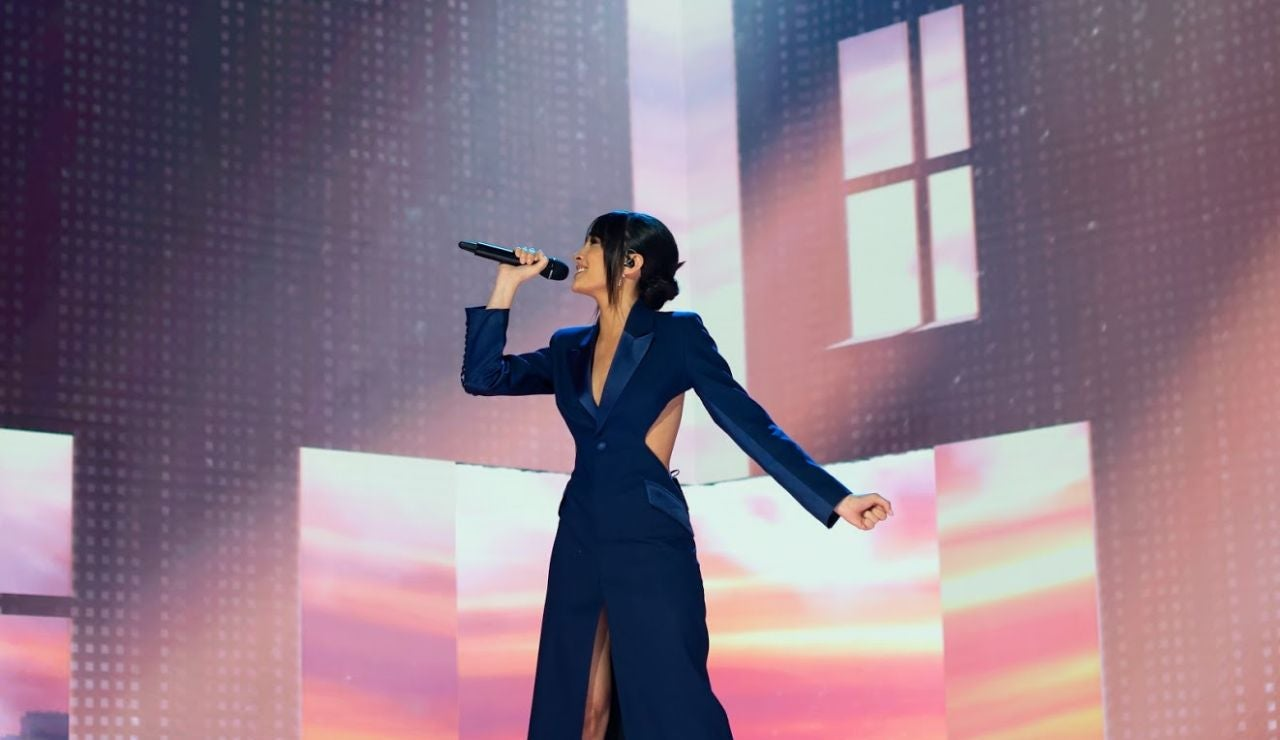 Aitana durante su actuación en los premios Goya