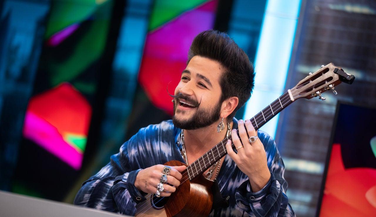 Camilo canta en directo en 'El Hormiguero 3.0' en homenaje a su madre por el Día de la Mujer
