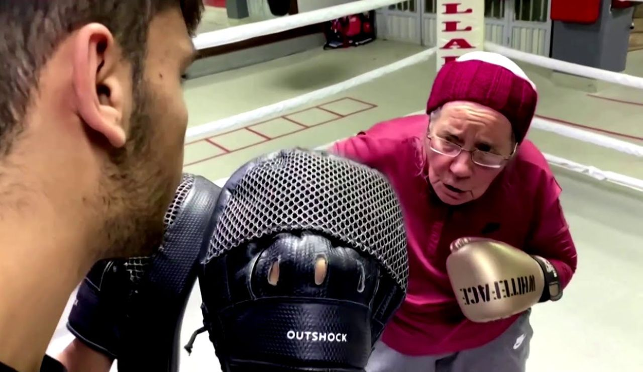 Nancy Van Der Stracten, la abuela de 75 años que boxea para combatir el Parkinson que padece