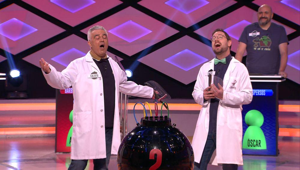 ¡Momentazo histórico! Espectacular canto coral de 'Barber's Science' sobre el silicio en '¡Boom!'