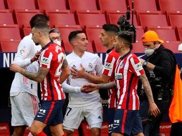 Rifirrafe entre Lucas Vázquez y Luis Suárez