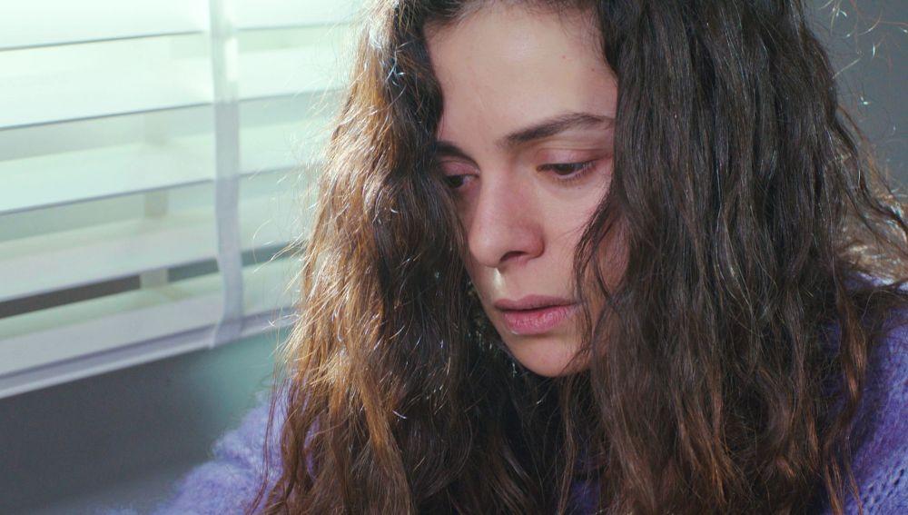 Nezir presiona a Bahar con un inquietante regalo: ella es la elegida