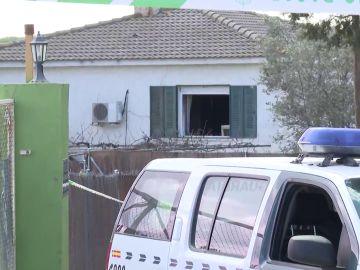 Mueren dos adultos y una niña en extrañas circunstancias tras un incendio en El Molar, Madrid