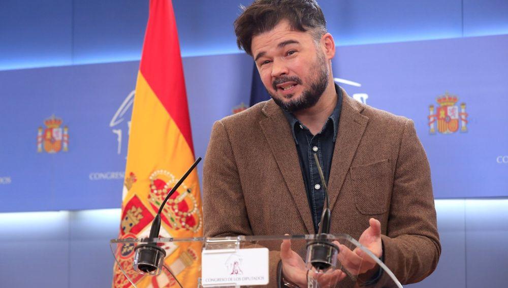 Gabriel Rufián durante la rueda de prensa en el Congreso
